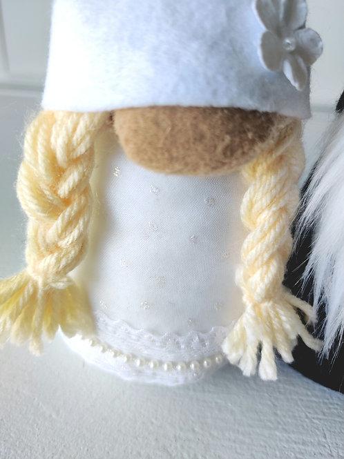 Bride Gnome Blonde