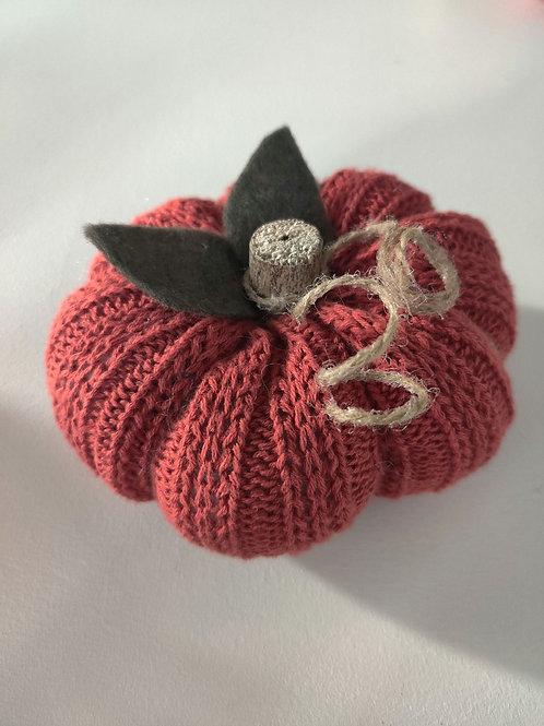 Small Dark Orange Sweater Pumpkin (dark leaves)