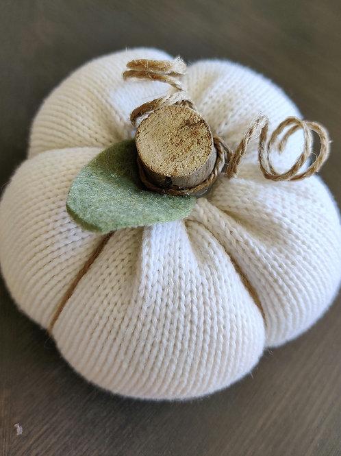 Medium Ivory Sweater Pumpkin