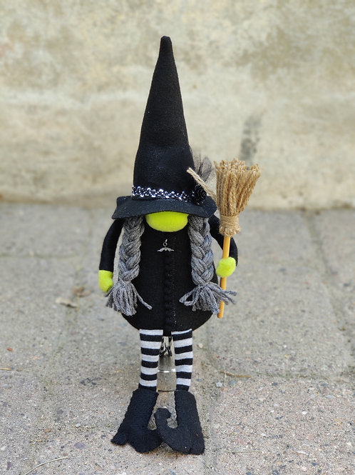 Betty Witch Gnome