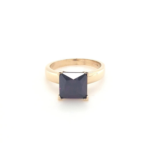 9ct Synthetic Square Amethyst Ring