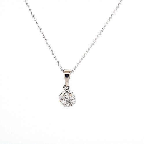 18ct Cluster Diamond Pendant