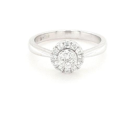 18ct Cluster Halo Diamond Ring