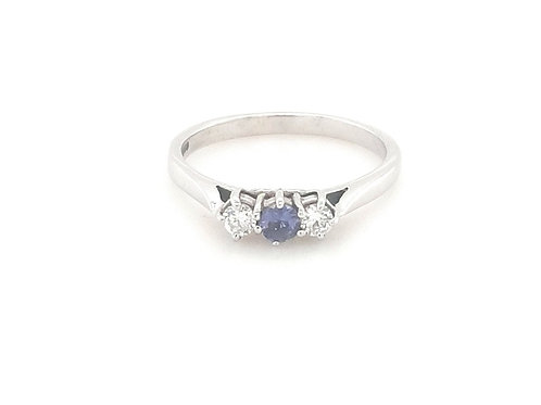 18ct Three Stone Diamond & Tanzanite Ring