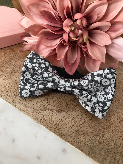 Whit & Grey Floral
