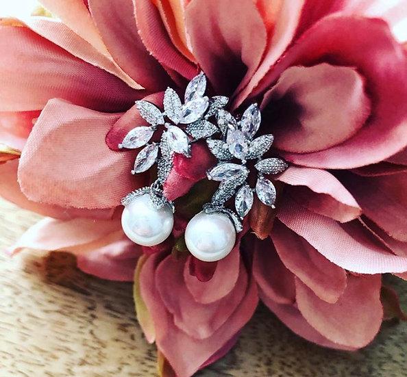 Vintage Pearl Dangle