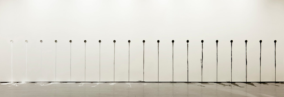 Projet d'exposition Uter Ramme, Released paint ( grayscale ), 2010-2011