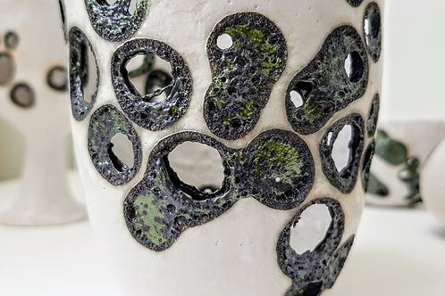 Neither Use Nor Ornament Ceramic Set