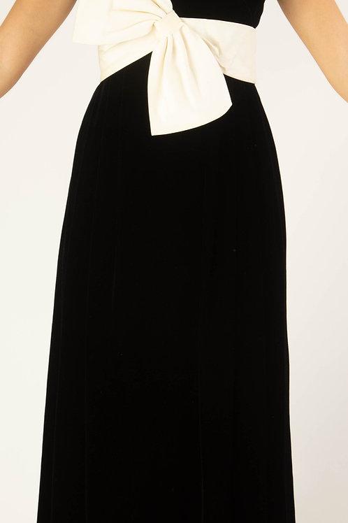 Vestido veludo preto com laço off