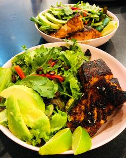 salmon fajita salad