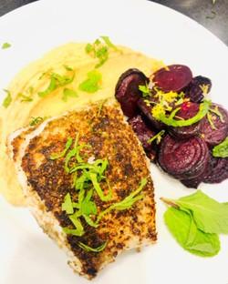 za'atar rubbed cod w: spicy hummus & veg