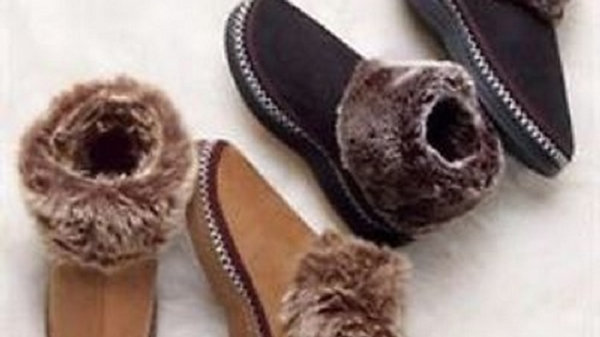 Women's Soft Cozy Clog Fuzzy Slipper Booties - Brown