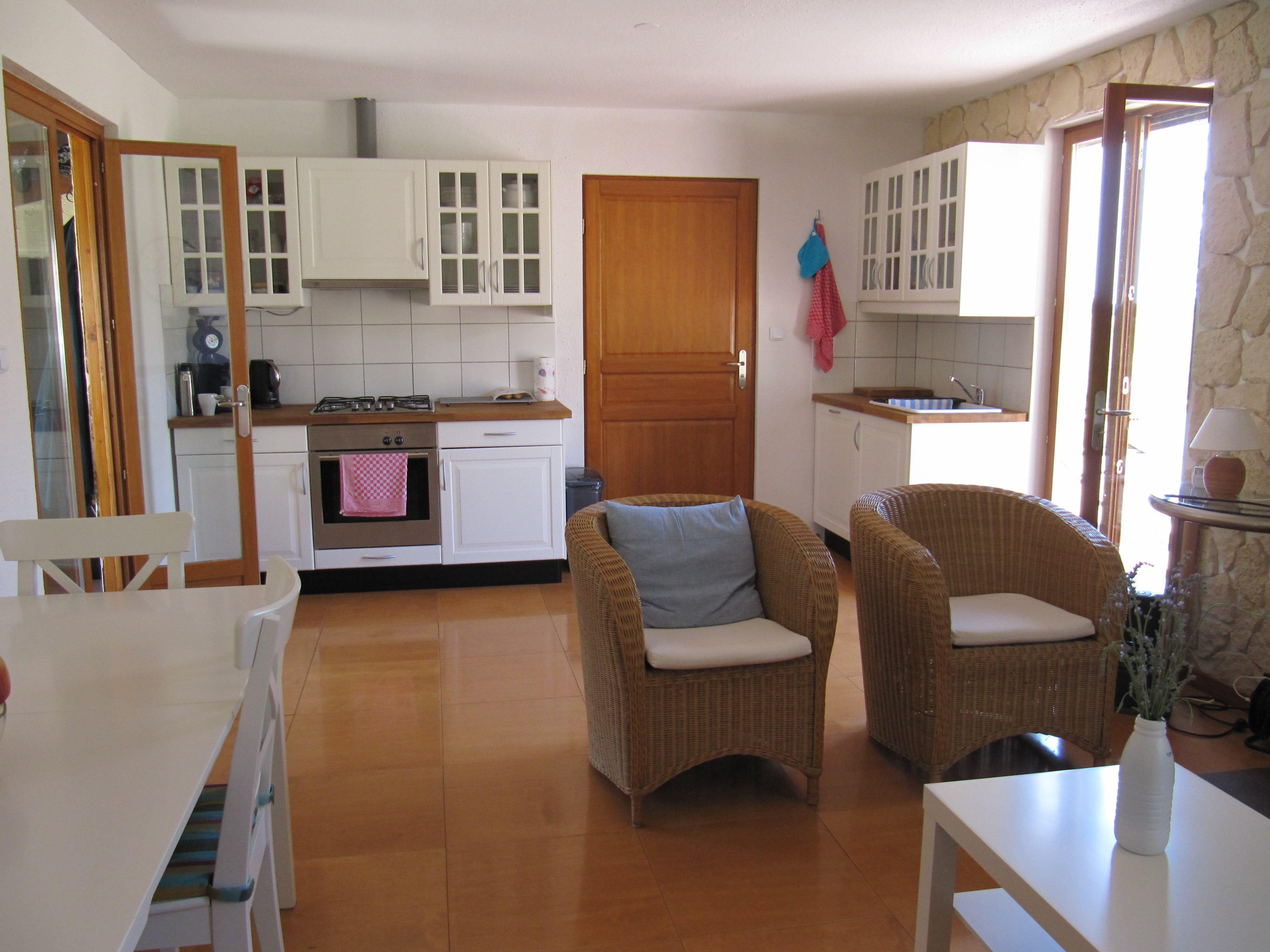 keukentje vanuit huiskamer
