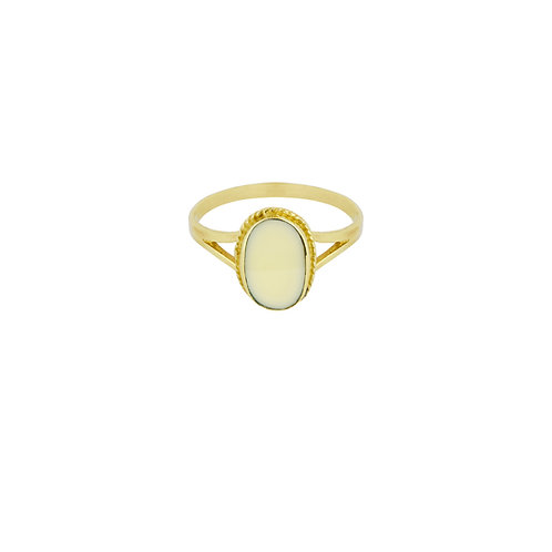 Oval Souvenir Ring Ivory