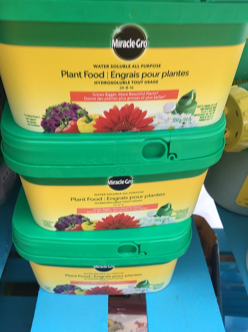Miracle-Gro® Water Soluble 24-8-16 Plant Food