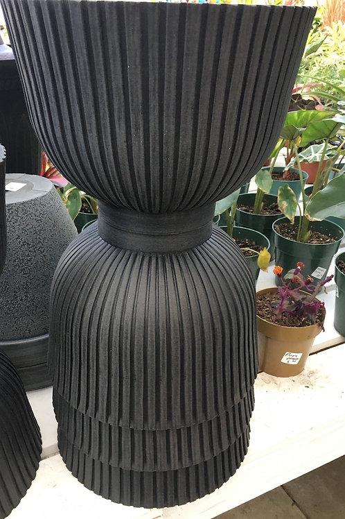 Camilla Round Ribbed 12-inch bowl planter