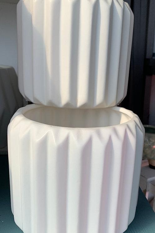 White ribbed pot - small