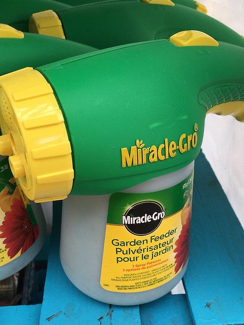 Miracle-Gro® Garden Feeder sprayer
