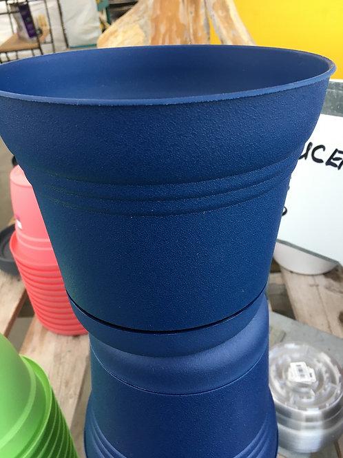 Saturn plastic planter - 7-inch