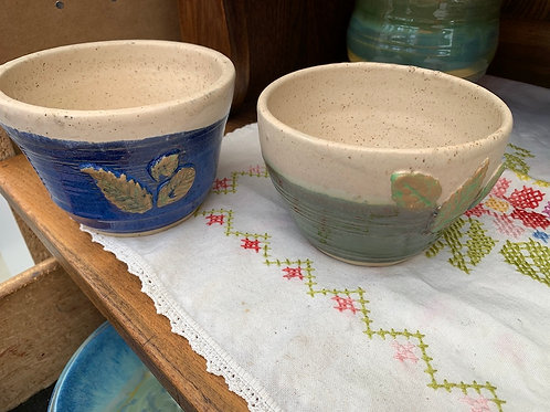 Handmade Pottery - 4-inch plant pot with leaf design