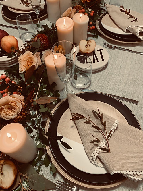 Thanksgiving Dinner tablescape fresh garland