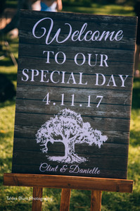 Paper Love Invites | Rustic welcome sign