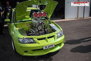 performance-car-mania-green-holden-383ci-ls1-vz-maloo-engine-bay.jpg