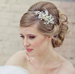 coiffure-mariee-chignon-headband-690x682
