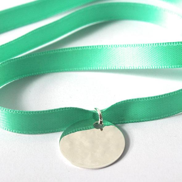Bracelet satin couleurs pampille argent