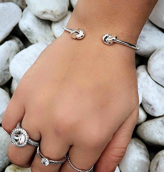 Bracelet ouvert noeuds