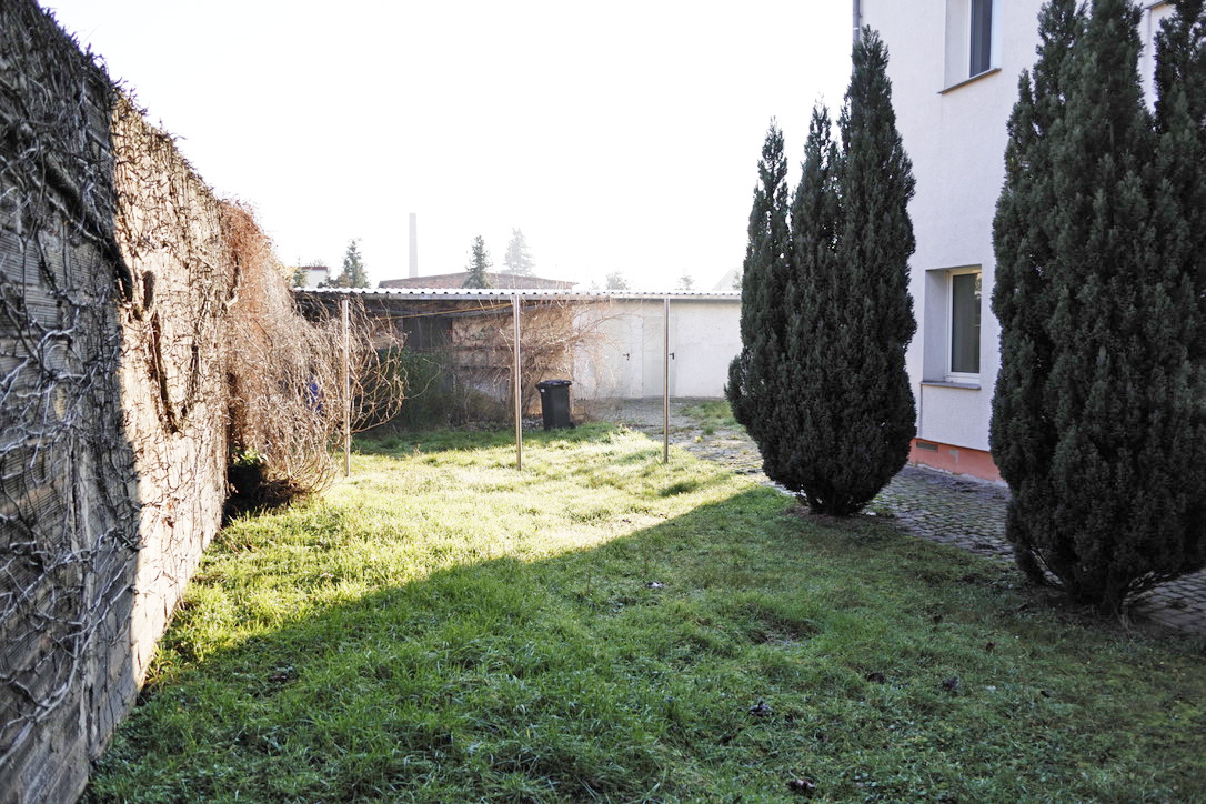 Grünfläche im Hof