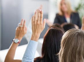 Group-of-vrouwen stemrecht-tijdens-semin