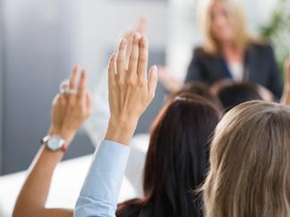 Coach ayuda a las mujeres a cultivar hábitos que cierren la brecha de liderazgo de género