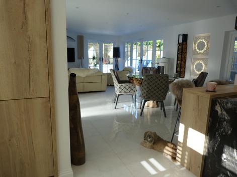Lithcen / Living / Dining Area