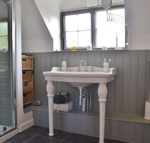 Bathroom With Joinery