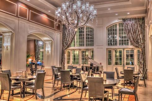 luxury-hotel-3715115_1920.jpg