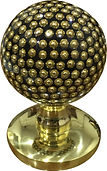 CENTRE DOOR KNOB BRASS PEARL COLLECTION