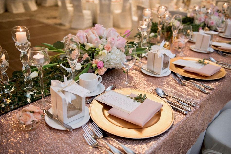 Head Table blush roses Wedding Belles De
