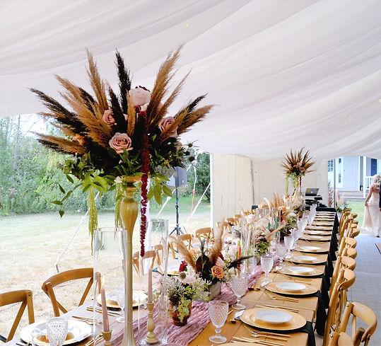 pampas grass centerpiece tent wedding_edited.jpg