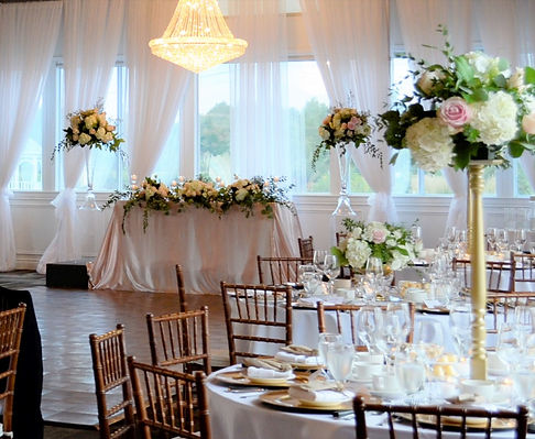 Wedding Belles Decor head table and cent