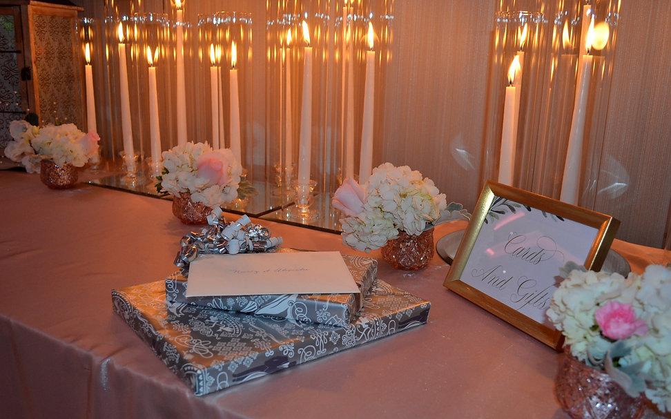 Cards Gift Table Wedding Belles Decor.jp
