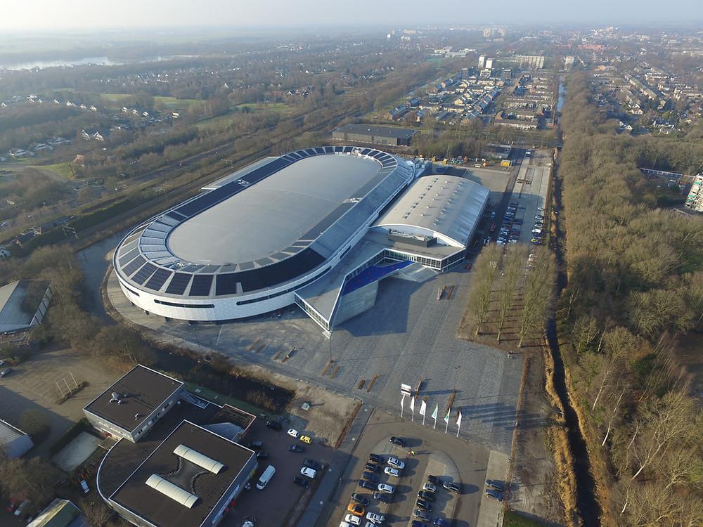 Luchtfoto van Thialf Heereveen ©ANP