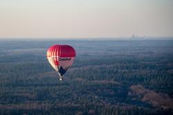 Luchtfoto luchtballon boven Zeist