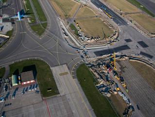 Schipholtunnel en Kaagbaan Schiphol vanuit de lucht