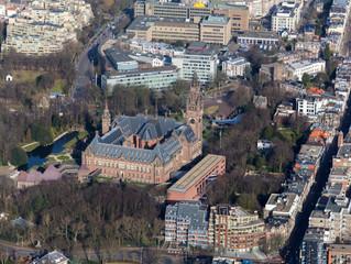 Luchtfoto´s Ministeries en Vredespaleis in Den Haag