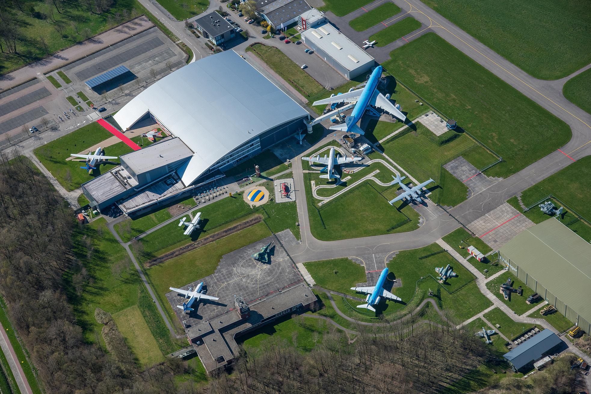 Luchtfoto Aviodrome Lelystad Airport