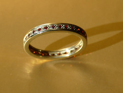 memory Ring Gold Granat
