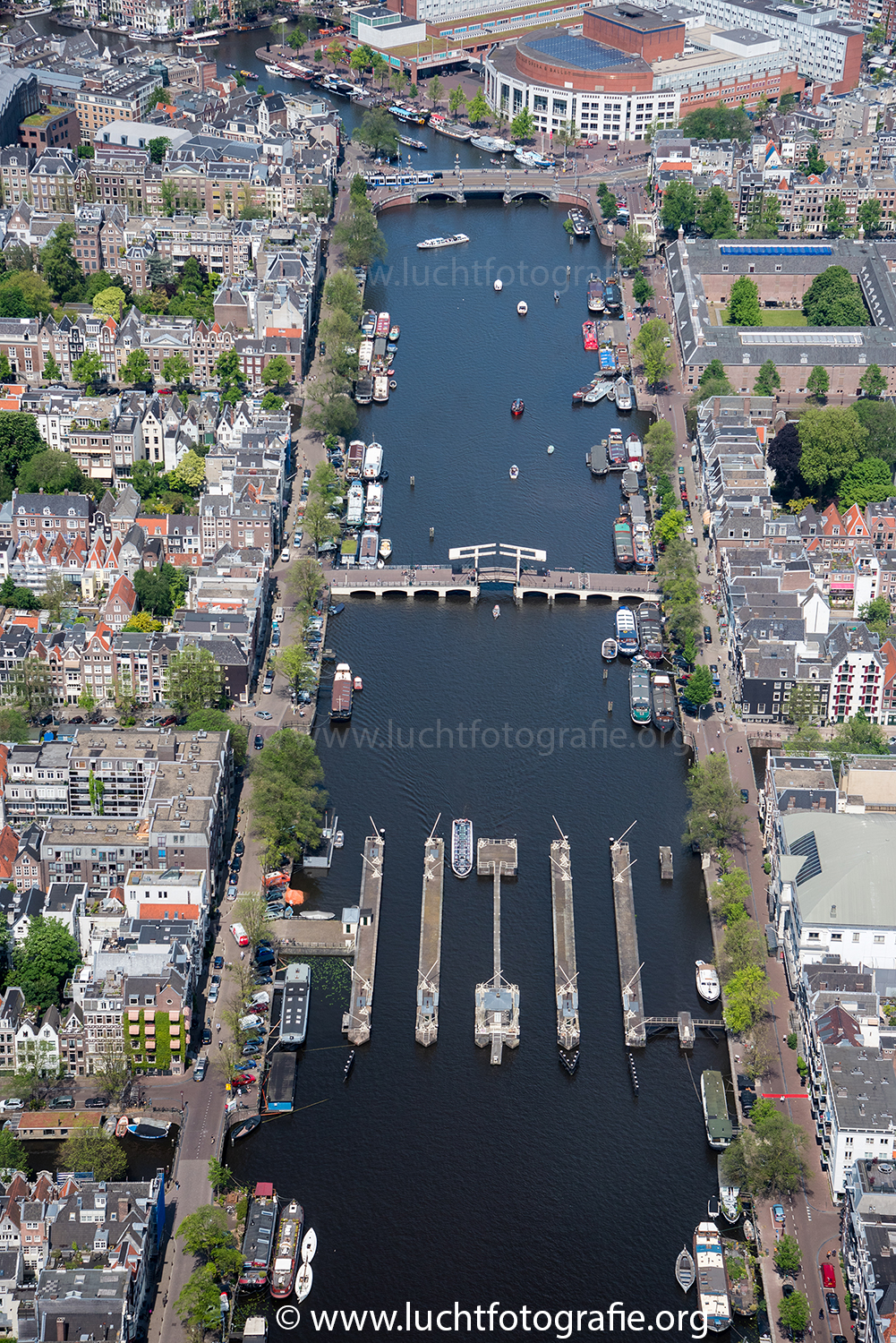 Luchtfoto Magere Brug Amsterdam