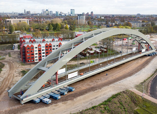 Luchtfoto's en -video nieuwe spoorbrug Utrecht (drone)