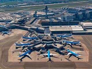 [VIDEO] Schiphol vol met geparkeerde vliegtuigen door corona